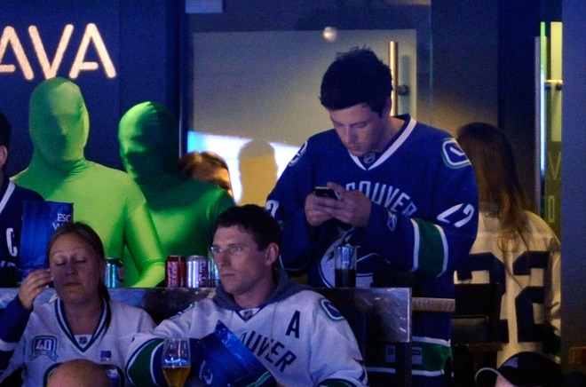 Cory Monteith likes texting